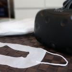 VIVEのフェイスクッション汚れ過ぎ疑惑 来客用にVR用マスクを試してみた