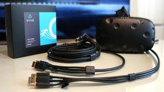 初期VIVEユーザーをケーブルの呪縛から少しだけ解き放ってくれる改良型「htc VIVE 3-in-1ケーブル」