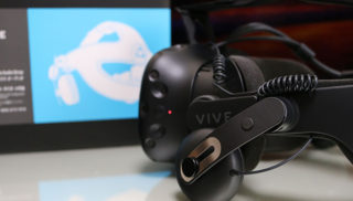 VRが快適になる「VIVE デラックス オーディオストラップ」レビュー 弱点を着実に克服していくhtc VIVE